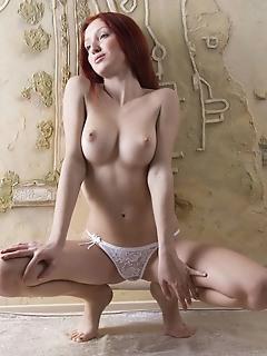Amazing naked redhead