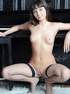 Gorgeous free daily naked gallery beauty