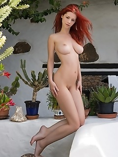 redhead patio andaluz ariel, undoubtedly one of our favorite models at femjoy graces us with another luscious set. Here she is on patio andaluz moving