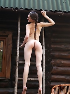 Teen softcore nude pictures of nude brunette