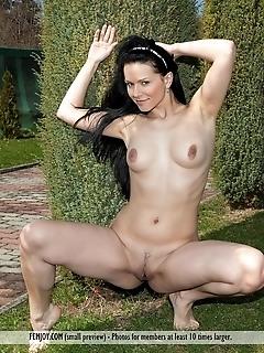 Free erotic nude girls russian natural female
