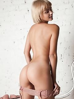 Juicy blonde model