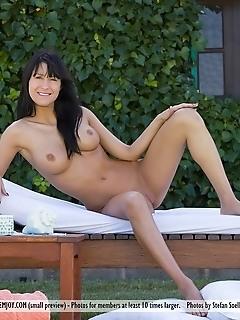 Free erotic pussy gallery naked girls virgin