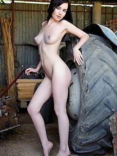 Erotica girls naked pics erotic gallery with erotic girls