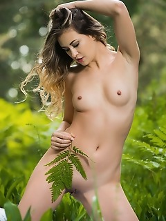 read my lips free female of erotic girls free thumbnail pictures