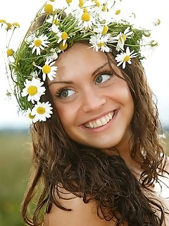 Free teen nude glamour nude teen girl pics