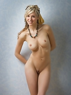 Pics of female nude lovely photo gallery