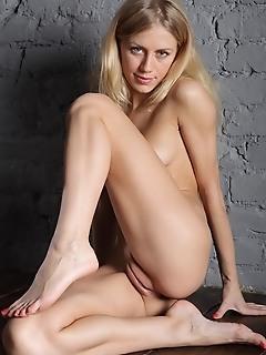 Teen virgin love nude pics skinny
