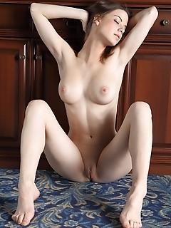 Free erotic female gallery free femjoy style photos