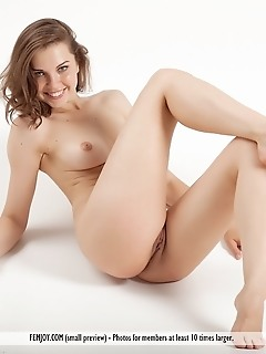 Free shy models pictures hot girls having sex