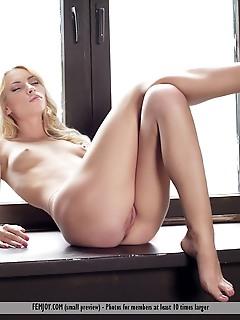 Top 50 erotic models erotica natural beauty girl photo