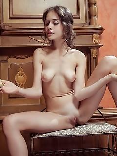 Sexy shapely beauty