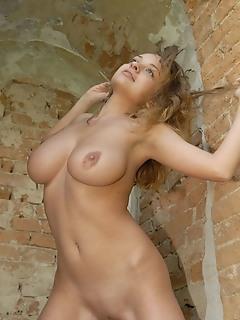 Free naked girls gallerys scenes russian girls femjoy style