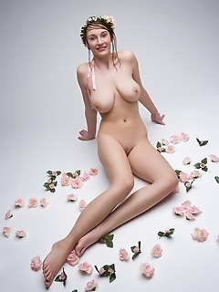 Sexy adult naked girl thumbs