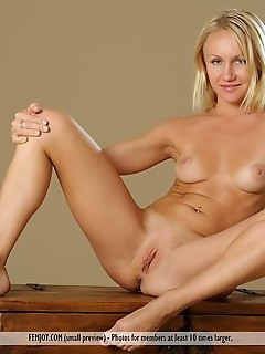 Teen pussy gallery erotica pussy picture