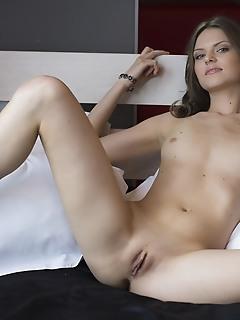 Exquisite slender cutie